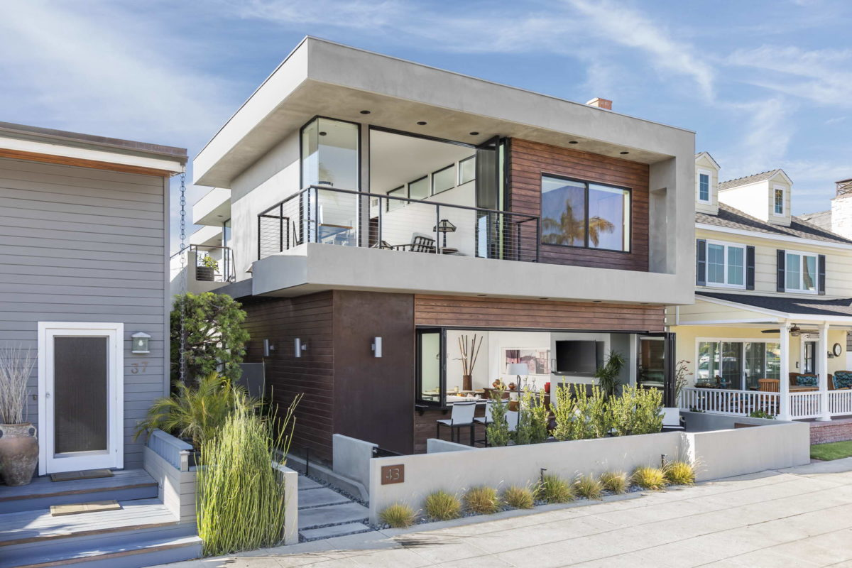 Beautiful and functional home in the heart of Naples, Long Beach.